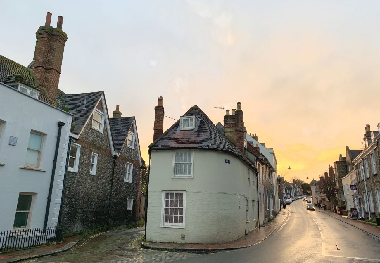Apartment in Lewes - The High Street Hideaway