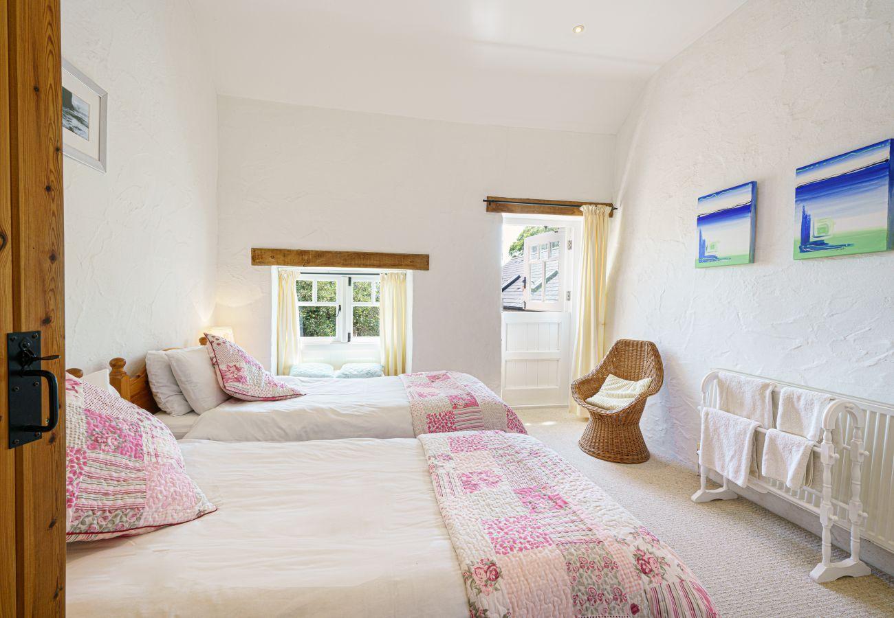 Cottage in Newport - Bwthyn Mawr