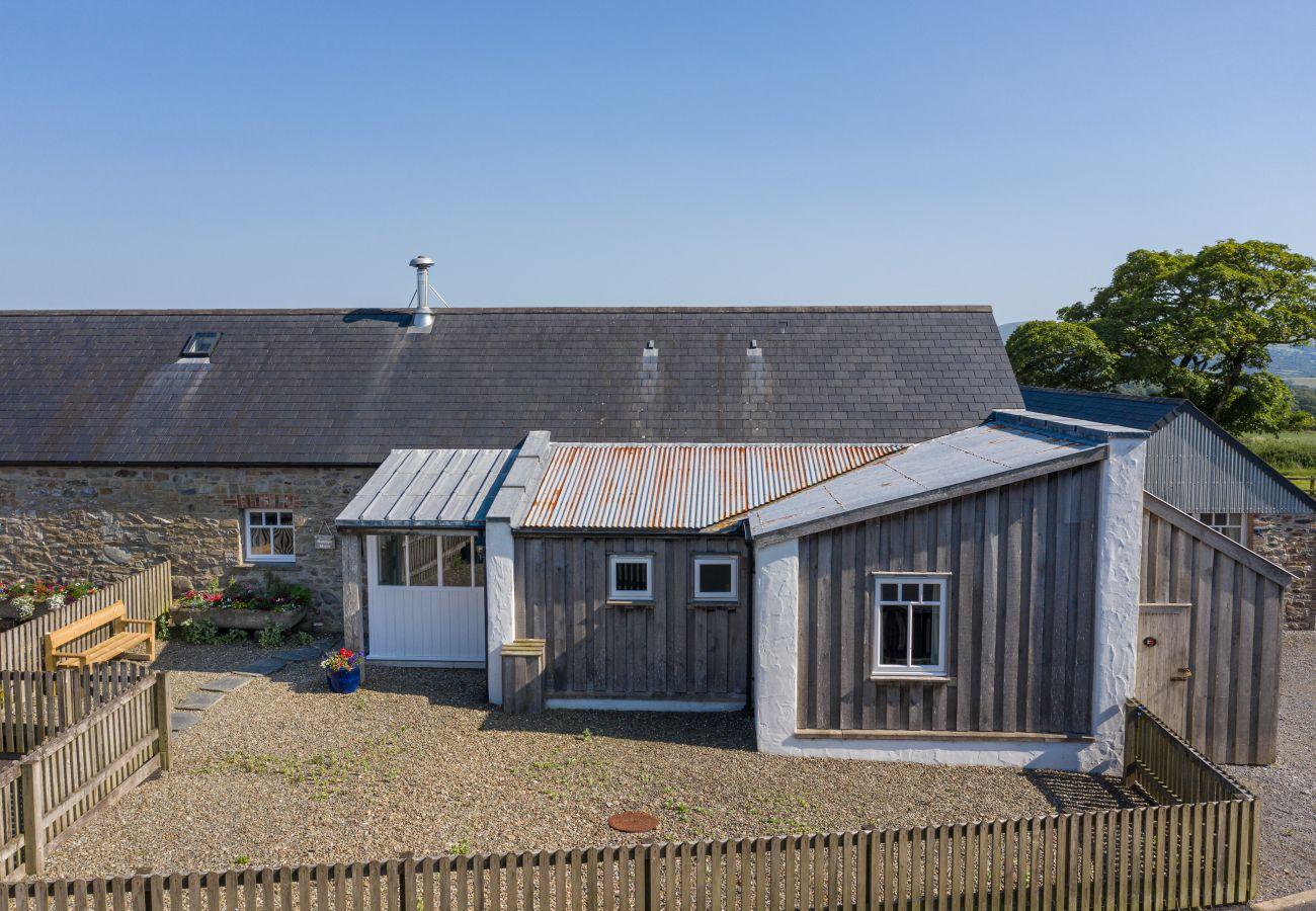 Cottage in Newport - Treicert Farm