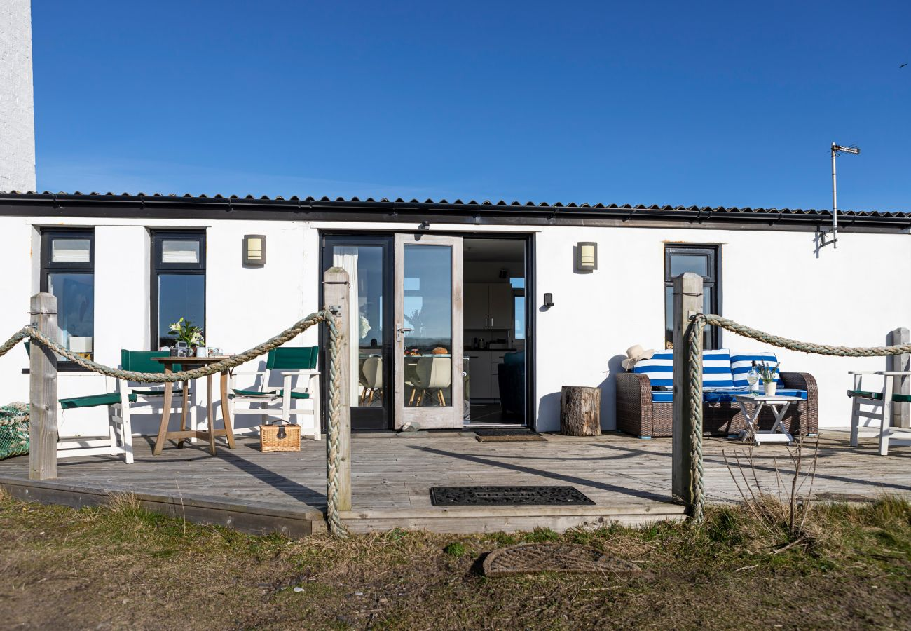Cottage in Walney - The Lighthouse Hide