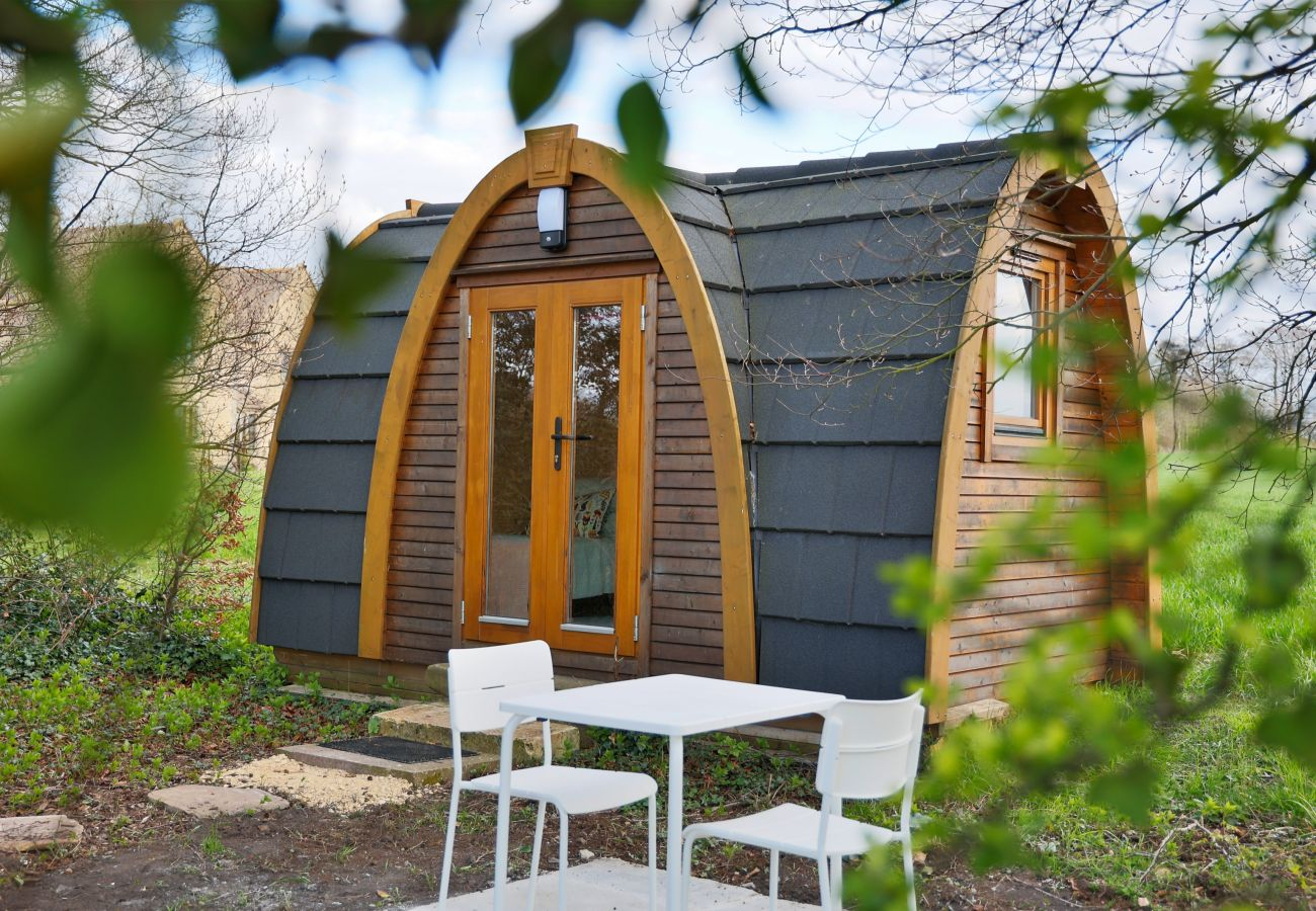 Farm stay in Camerton - The Pods