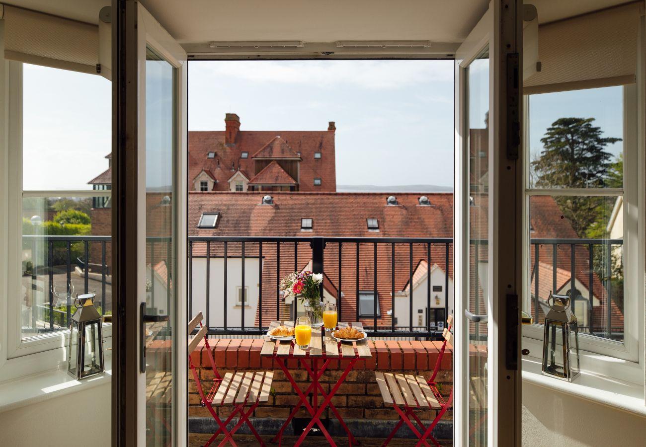 Apartment in Tenby - Y Lle Hapus